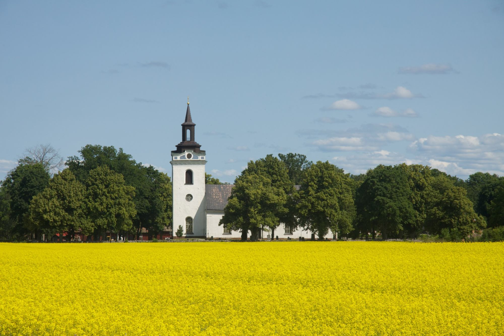 Torstuna kyrka